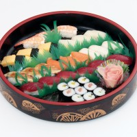ケータ-寿司盛合わせ3人IMG_4564